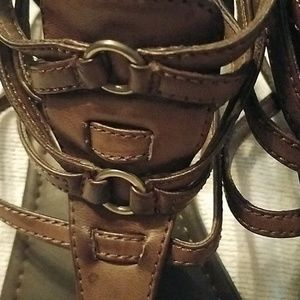 Report Shoes - Brown strappy sandals